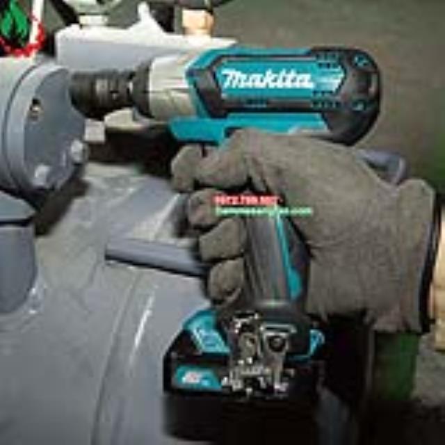 Máy siết bulong dùng pin Makita TW141D